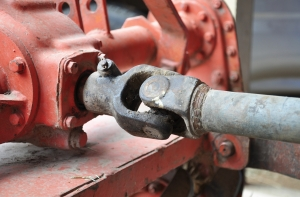 Corrosion inhibiting additive for rust prevention